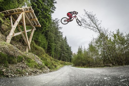 Video: Dan Atherton Shreds Latest Mountain Bike Creation in Dyfi