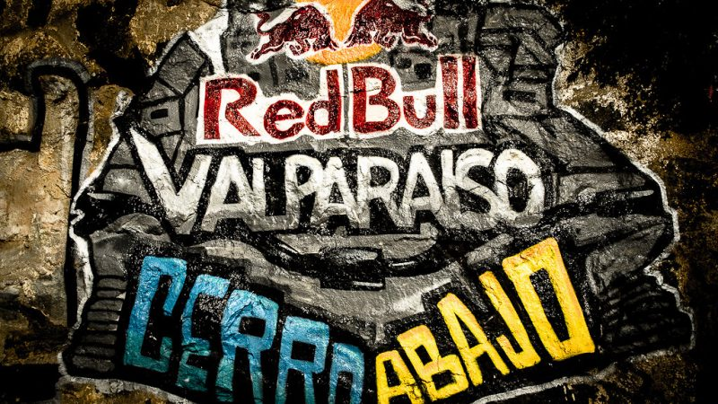 Video: Urban MTB Downhill Race – Red Bull Valparaiso Cerro Abajo 2018