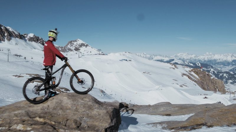 Mountainbike vs. Snowboard – Showdown in the Snowpark Kitzsteinhorn