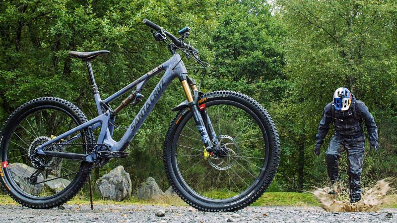Danny MacAskill gets #DownrightDirty in Endura MT500